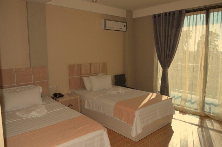 hotel legacy room (2)
