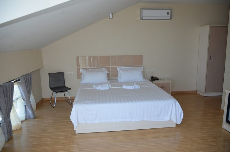 hotel legacy room